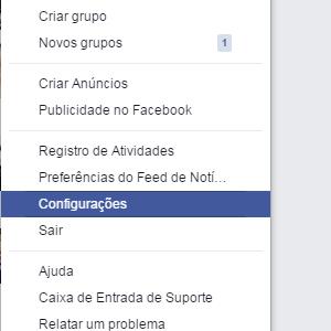 """1-Entre em seu Facebook, clique nas opções no canto superior direito e depois vá em """"Configurações""""."""