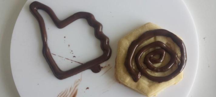 """Páscoa tecnológica: conheça a impressora 3D que consegue """"imprimir"""" chocolate"""
