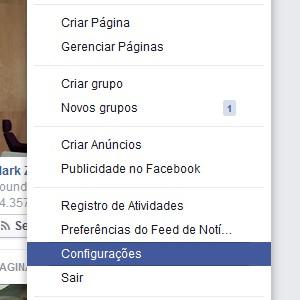 1. Em seu Facebook, vá até o menu superior e clique na setinha para baixo. Depois, selecione Configurações.