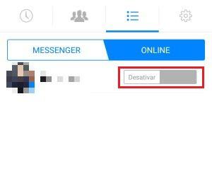 """2-Agora clique em """"online"""" para continuar com o processo. Na próxima tela que aparecer, haverá uma chavinha na frente do nome do usuário. Clique nela para desativar o chat. Para saber se deu certo, basta verificar se ele está como nesta foto."""