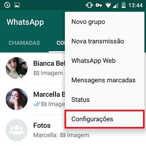 1. No WhatsApp, vá até as reticências, no canto superior direito. Depois, clique em Configurações (no iPhone, acesse Ajustes, localizado no rodapé da tela).