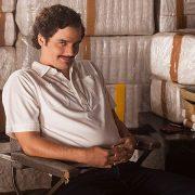 Game mobile baseado em Narcos transforma jogador em pupilo de Pablo Escobar