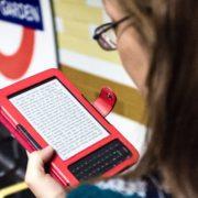 Kindle Week: leitor de livros digitais da Amazon tem desconto de R$ 100; e-books chegam a até 90%