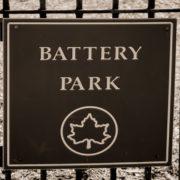 À venda nas máquinas de autoatendimento do metrô, bateria externa dá até quatro cargas no seu smartphone
