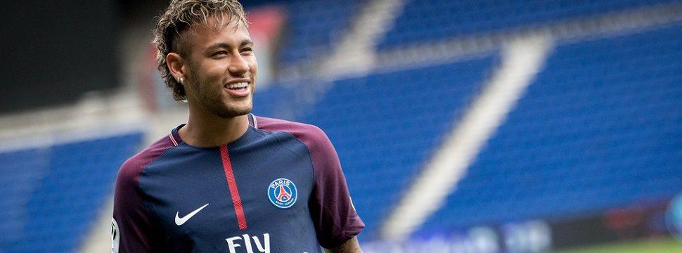 Há 10 anos Neymar estreava como profissional: relembre as publicações mais divertidas do craque no Twitter