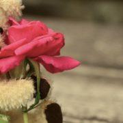 Tinder reúne usuários para dar dicas de como se dar bem no Dia dos Solteiros