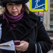 Dia do Idoso: dicas ajudam a usar melhor o celular na terceira idade