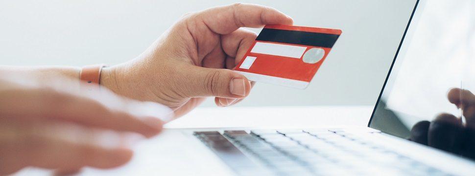 Fraudes em cartões de crédito estão entre principais golpes na internet