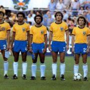 WhatsApp: Novo golpe usa álbum da Copa do Mundo para enganar usuários