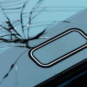 Película de vidro ou de silicone: teste mostra qual é a melhor opção para o seu smartphone