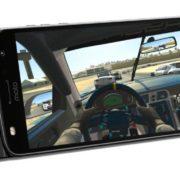 """Testamos: Moto Gamepad transforma Z2 Play em console """"portátil"""" por R$ 800"""