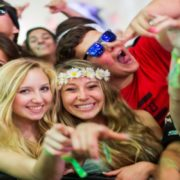 Tinder Plus: confira as cidades que mais procuraram matches durante o Coachella