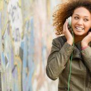 Nova versão grátis do Spotify permite escolher e reproduzir qualquer faixa de playlists