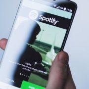 """Não aparece em """"Atividade de amigos"""" do Spotify? Veja como solucionar problema"""