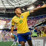 Neymar, Cristiano, Messi: Descubra qual é o time dos sonhos da internet