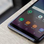 Testamos: Por R$ 2.400, Samsung A8 tem design sofisticado e conjunto fotográfico caprichado