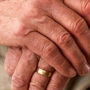 Apps auxiliam idosos a se recolocar no mercado de trabalho; veja casos