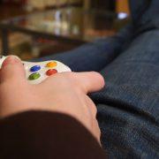 Jogos gratuitos de outubro: veja os games disponíveis na PS Store e Xbox Live