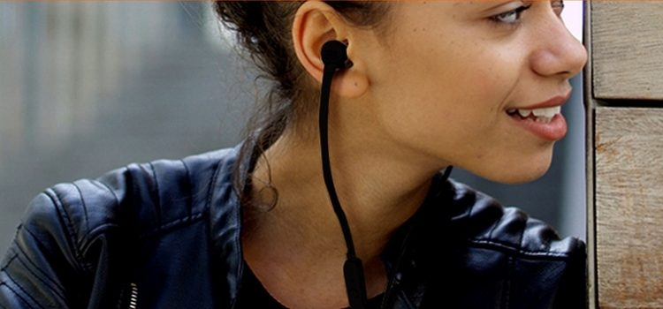 Testamos: com bom custo-benefício, fone JBL Tune 110 BT agrada por facilidade de uso e qualidade sonora