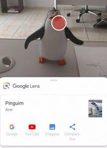 Google Lens em ação: a partir de um boneco, o reconhecimento de um pinguim