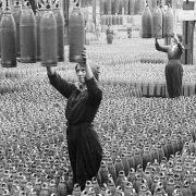Galeria online reúne fotos de mulheres trabalhando na Primeira Guerra Mundial; confira