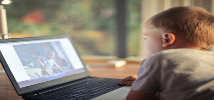 Veja dicas para proteger crianças e adolescentes na internet
