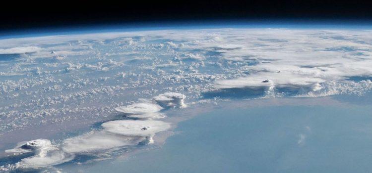 NASA divulga novas fotos do planeta Terra visto do espaço