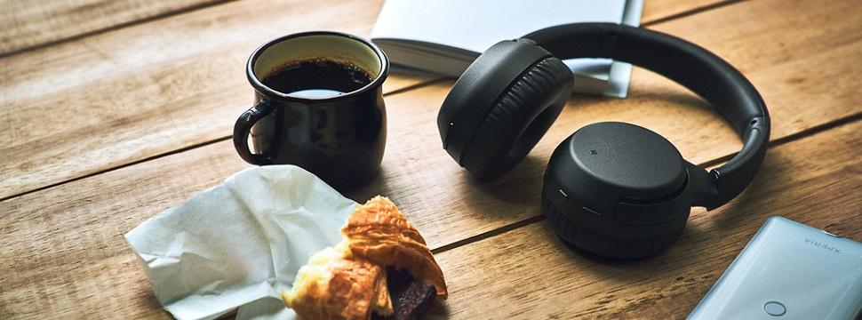 Testamos: fone de ouvido WH-XB700, da Sony, capricha nos graves e conversa com assistente virtual