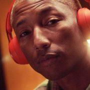 Beats anuncia Solo Pro, primeiro headphone da família com cancelamento de ruído