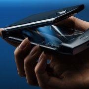 Com tela dobrável, novo Motorola Razr chega ao Brasil por R$ 9 mil